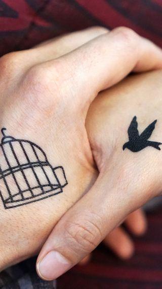 Обои на телефон руки, птицы, пара, tattos
