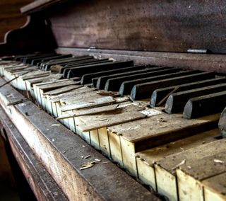 Обои на телефон старые, пианино, tjhtj, old piano, ejatjeat