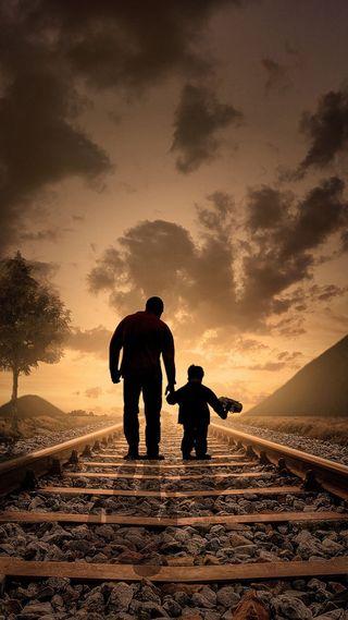 Обои на телефон прогулка, поезда, отец, облака, мужчина, мальчик, дорога, дерево, son, man, father and son
