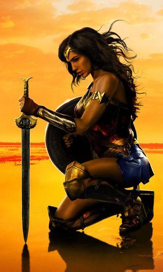 Обои на телефон чудо, супергерои, меч, комиксы, женщина, героиня, бой, preparing for battle, gal gadot, gal, gadot, dc