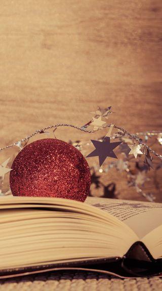 Обои на телефон книга, рождество, праздник, мяч, звезды