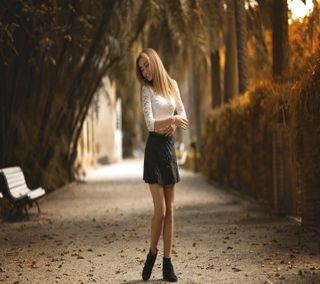 Обои на телефон улыбающийся, женщины, природа, на улице, модели, блондинки, белые, women outdoors, white topss