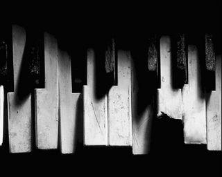 Обои на телефон сломанный, черные, пианино, белые