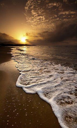 Обои на телефон волны, солнце, солнечные, пляж, море, закат, вид, sun n sea