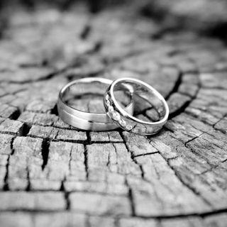 Обои на телефон деревянные, фон, свадьба, романтика, любовь, кольца, золотые, белые, love