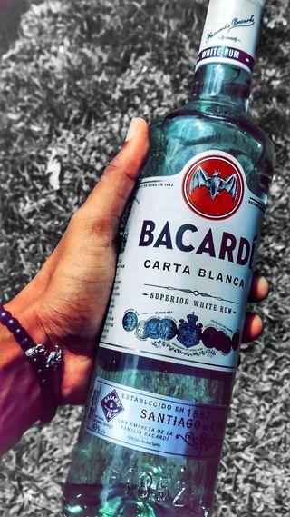 Обои на телефон алкоголь, красые, водка, вечеринка, бутылка, walker, rave, label, bottles, baracadi rum, absolute