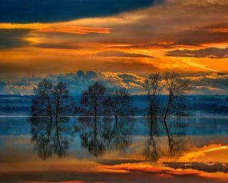Обои на телефон отражение, природа, пейзаж, облака, закат, деревья, греция