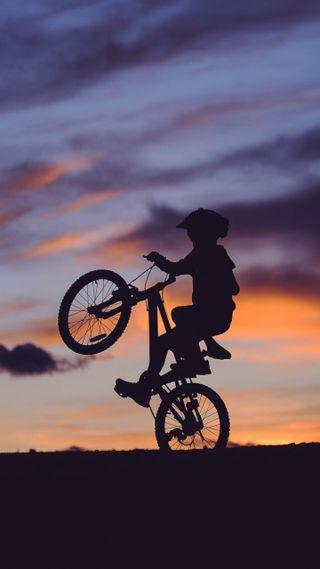Обои на телефон приключение, мальчик, закат, жизнь, горы, stunt