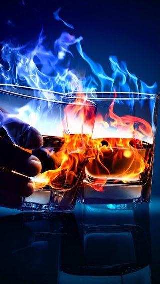 Обои на телефон алкоголь, стекло, огонь