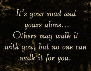 Обои на телефон прогулка, цитата, твой, поговорка, одиночество, дорога, вдохновляющие, yours, its your road alone