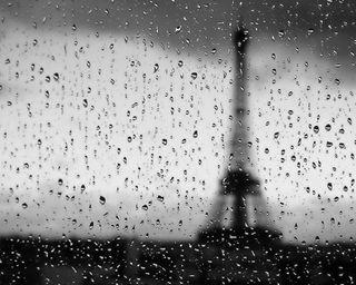 Обои на телефон капли дождя, эйфелева башня, темные, расплывчатые, париж, ночь, дождь, вода, башня
