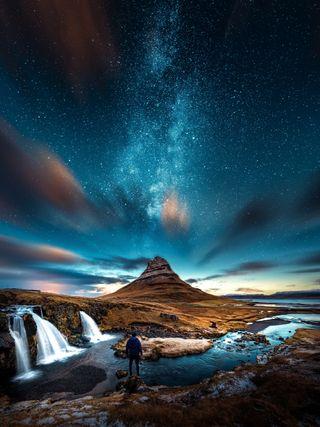 Обои на телефон черные, ночь, небо, звезды, горы