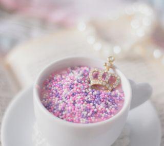 Обои на телефон книга, чашка, пастельные, корона, pendants, cup, brooches, beads