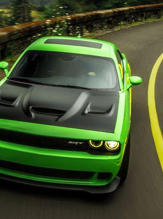 Обои на телефон челленджер, машины, зеленые, дорога, додж