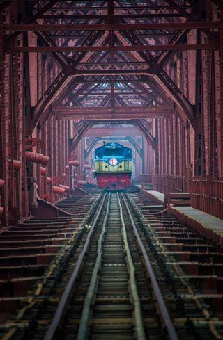Обои на телефон поезда, мост