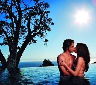 Обои на телефон обнимать, романтика, поцелуй, пара, море, люди, любовь, дерево, восход, love