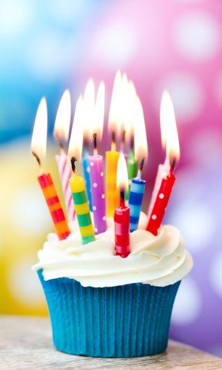 Обои на телефон свечи, кекс, день рождения, celebrationsweet