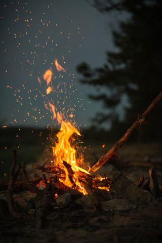 Обои на телефон поход, огонь, sticks, bonfire