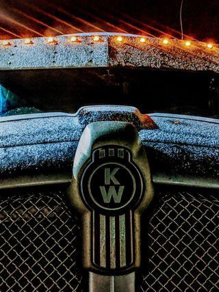 Обои на телефон грузовик, кошки, капюшон, капли, зима, semi, paccar, kenworth, cummins