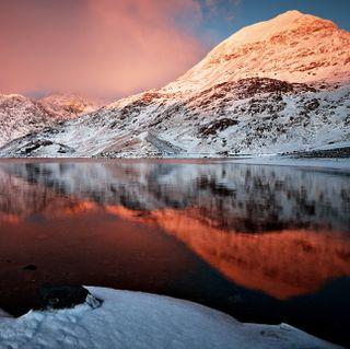 Обои на телефон отражение, прекрасные, закат, горы, вода