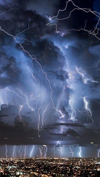 Обои на телефон шторм, молния, город