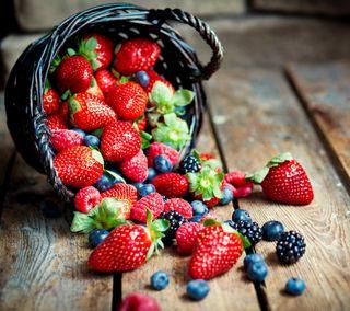 Обои на телефон свежие, клубника, корзина, ягоды