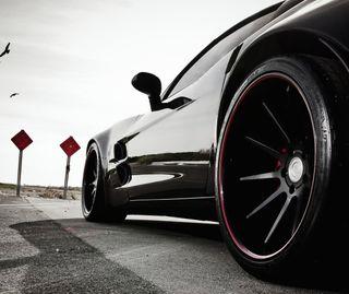 Обои на телефон колеса, черные, скорость, роскошные, машины, дорога, гоночные, luxury