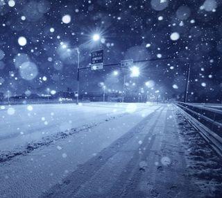 Обои на телефон снежные, время, снег, ночь, дорога, город