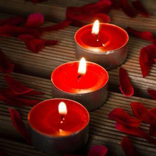Обои на телефон свечи, лепестки, красые, candles and petals
