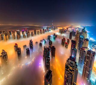 Обои на телефон светящиеся, цветные, туман, огни, облака, здания, город, вид, misty city, above