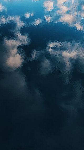 Обои на телефон река, черные, фото, синие, природа, поток, отражение, облака, вода, river flow