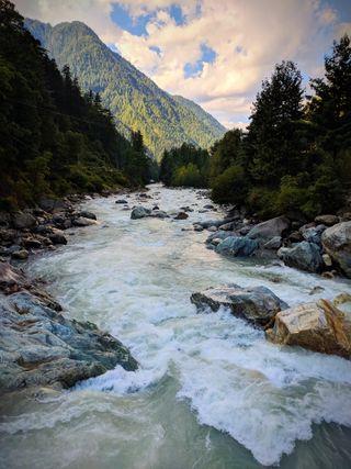Обои на телефон индия, река, природа, горы, вид, view of nature, kasol, himachal pradesh