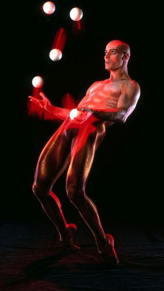 Обои на телефон viktor kee, juggler, americas got talent