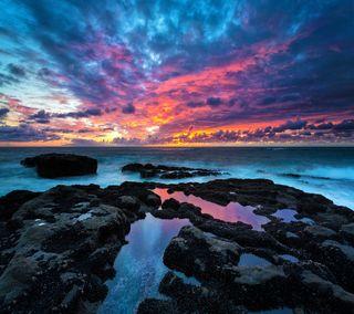 Обои на телефон море, закат, пляж, океан, рок, облака, камни