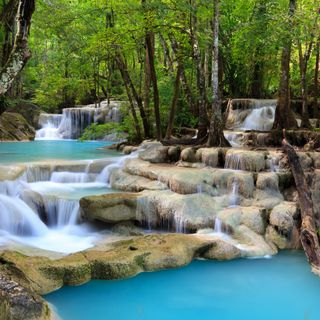 Обои на телефон водопад, рок, камни, дерево, вода