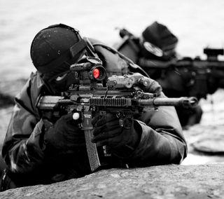 Обои на телефон солдат, черные, стрелок, оружие, военные, винтовка, белые, армия, scope, optics