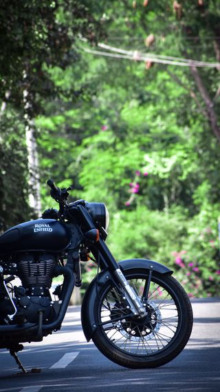 Обои на телефон чоппер, улица, супер, мотоциклы, король, гонщик, байк, royal enfield, stunt, motor, bullet