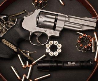 Обои на телефон пули, пистолет, оружие, выстрел, revolver