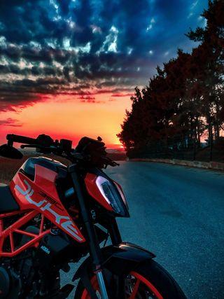 Обои на телефон гонка, спорт, ночь, мотоциклы, байк, motor, duke 390