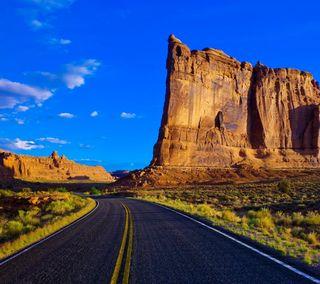 Обои на телефон cliffs, небо, пейзаж, дорога, горы, пустыня