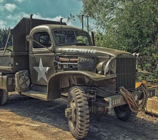 Обои на телефон грузовик, военные
