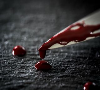 Обои на телефон нож, кровь