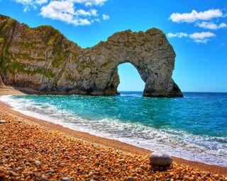 Обои на телефон камни, рок, пляж, море