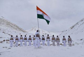 Обои на телефон индия, флаг, триколор, индийские, горы, армия, mount