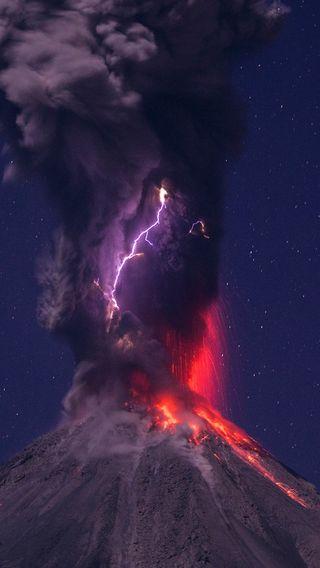 Обои на телефон гром, черные, ночь, лава, красые, vulcano, ashes