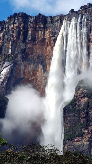 Обои на телефон водопад, горы, вода
