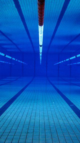 Обои на телефон синие, неоновые, вода, pool