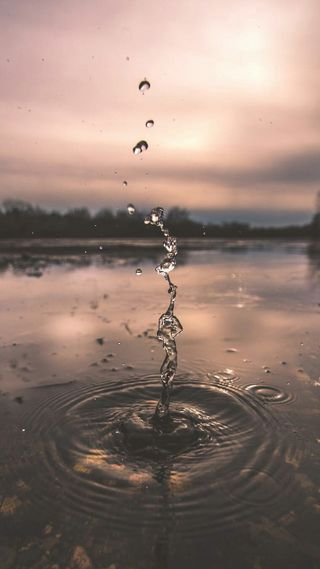 Обои на телефон брызги, природа, озеро, капли, вода