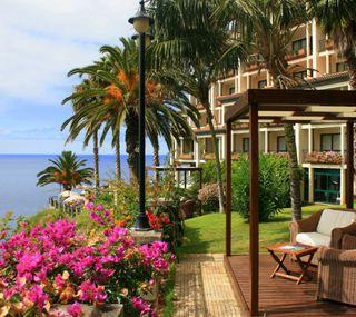 Обои на телефон остров, цветы, природа, пейзаж, здания, vila, chair, armchair