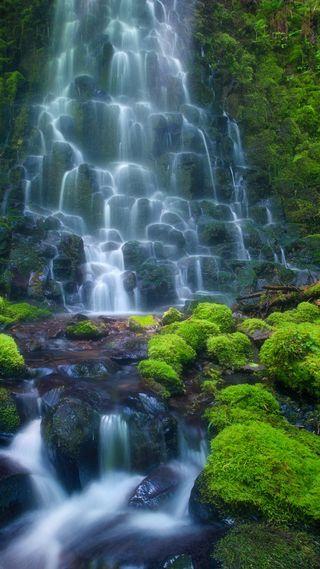 Обои на телефон водопад, природа